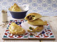 Unser beliebtes Rezept für Empanadas mit Hähnchenfüllung und mehr als 55.000 weitere kostenlose Rezepte auf LECKER.de.