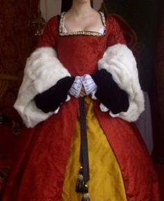 Tudor gown in silk damask and taffeta