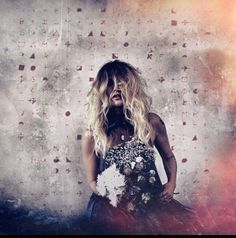 Elizabeth Cook, the bold and sassy Nashville singer-songwriter has just released a new album Exodus of Venus(Agent Love Records/Thirty Tigers), her first since 2010's excellent Welder…