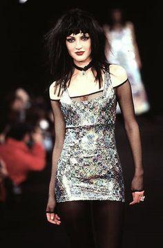 "nancybye: ""betsey johnson : runway looks "" Punk Fashion, Grunge Fashion, High Fashion, Fashion Show, Vintage Fashion, Fashion Outfits, Fashion Design, Androgynous Fashion, Vintage Style"