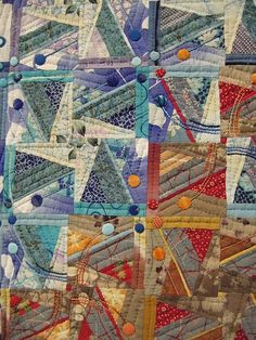 detail, japanese quilt NB: Something about this just feels soft and warm and cozy :D Patchwork Quilting, Scrappy Quilts, Quilting Projects, Quilting Designs, International Quilt Festival, String Quilts, Textile Fiber Art, Contemporary Quilts, Expo