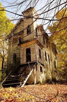 Forgotten Church……SUCH A FRIENDLY, LITTLE CHURCH…..MRS. PETTIGREW WAS THE ORGANIST AND THE REVEREND FREDERICKSON WAS THE NEATEST……HE WAS NEVER TOO BUSY TO LISTEN TO YOUR PROBLEMS…….WE MISS YOU DEAR LITTLE CHURCH…………..ccp                                                                                                                                                      More