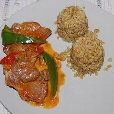Lecsós szelet árpagyönggyel Recept képpel - Mindmegette.hu - Receptek Chicken, Meat, Food, Red Peppers, Essen, Meals, Yemek, Eten, Cubs