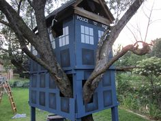 TARDIS Tree House!!!  Think of all the adventures that lucky child would get to have...  <3