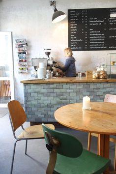 Kaffeebar Graefestr. 8 10967 berlin - kreuzberg  breakfast - lunch - cakes  mon - fri: 8:00 - 19:00 sat - sun: 9:30 - 19:00