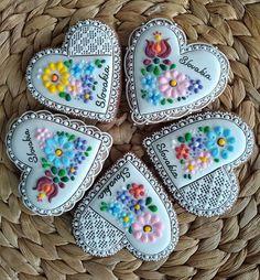 Sweet Cookies, Fun Cookies, Sugar Veil, Fondant Baby, Fused Glass Art, Sugar Art, Art Decor, Gingerbread, Desserts