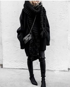 "Polubienia: 8,629, komentarze: 41 – @street_style_paris na Instagramie: ""@inter.fashion.love"""