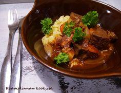 Kääpiölinnan köökissä: Hissukseen muhitettu burgundinpata - talviruokaa parhaimmillaan!