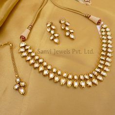 Find wide range of fashion jewellery, imitation, bridal, artificial, beaded and antique jewellery online. Buy imitation jewellery online from designers across India. Call us on [phone] now to resolve your queries. Indian Jewelry Sets, Indian Wedding Jewelry, India Jewelry, Bridal Jewelry, Turkish Jewelry, Fine Jewelry, Glass Jewelry, Jewelry Rings, Stylish Jewelry
