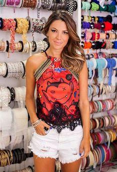 Crédito: fofochic.com.br/Divulgação Kids And Parenting, Carnival, Tank Tops, Beauty, Women, Fashion, Alter T Shirts, Blouse Models, Shirts