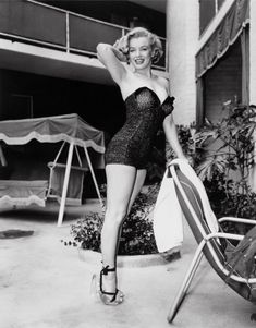 "Ideal Female Body Types - Marilyn Monroe - 1950s Sex symbols of the 1950s include Marilyn Monroe, Jayne Mansfield and Betty Page, known for their long legs and busty hourglass figures. Pin-up girls like Sophia Loren and Brigitte Bardot exuded glamour. ""The body is meant to be seen, not all covered up,"" Monroe once said."