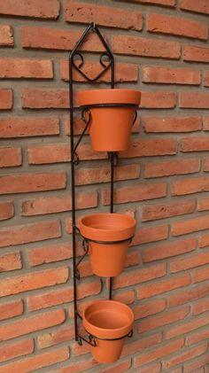 Metal Bending Tools, Home Garden Design, Garden In The Woods, Bird Sculpture, Iron Decor, Buddhist Art, Garden Accessories, Clay Pots, Plant Holders