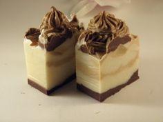 SissArt: Körte Pite szappan... Swirl Design, Bath Bomb, Swirls, Soaps, Pudding, Desserts, Food, Hand Soaps, Tailgate Desserts