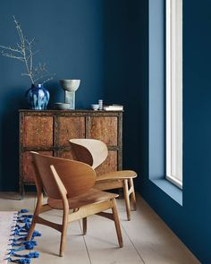 Selection of Scandinavian design in the Pantone colour of the year 2020 to inspire anyone wanting to add touches of Classic Blue to their home Interior Design Minimalist, Home Interior Design, Interior Decorating, Color Interior, Luxury Interior, Interior Painting Ideas, Yellow Interior, Simple Interior, Nordic Interior