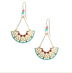 I'm in love with these earrings!