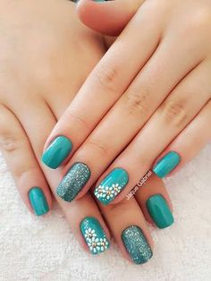 New French Pedicure Designs Flower Beautiful Ideas Red Nail Designs, Pedicure Designs, French Pedicure, Manicure And Pedicure, Aycrlic Nails, Hair And Nails, Art Deco Nails, Ring Finger Nails, Cute Spring Nails