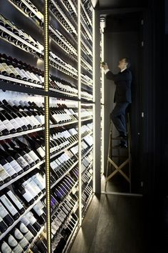 Home Decorating Style 2019 for 20 Wicked Wine Hutch, you can see 20 Wicked Wine Hutch and more pictures for Home Interior Designing 2019 at Homedecorlinks. Caves, Wine Shop Interior, Wine Hutch, Diy Storage Organiser, Diy Projects Small, Ikea Makeover, Furniture Makeover, Wine Cellar Design, Wine Design