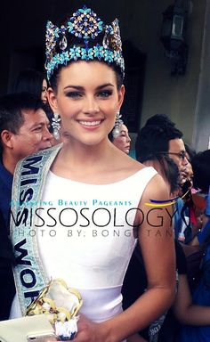 Miss World 2014 Rolene Strauss visits Manila - Missosology Miss World 2014, Megan Young, Pageant Girls, Prom Night, Beauty Pageant, Beauty Queens, Most Beautiful Women, Role Models, South Africa