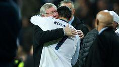 Real Madrid - Manchester United 1-1 | Cristiano Ronaldo se abraza al que fue su técnico en el United, Sir Alex Ferguson después del Partido del Bernabeu. [13.02.13]