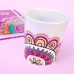 Resultado de imagen para yuki deco #artesaniasfaciles Paper Mache Bowls, Teen Art, Painted Flower Pots, Painted Mugs, Happy B Day, Posca, Pottery Painting, Mandala Art, Designs To Draw