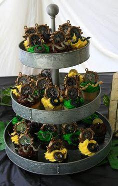 Indiana Jones party - cupcakes