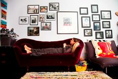 """Vogue's Sally Singer Shows Off Apartment, Discourages """"Yo-Yo Dieting"""""""