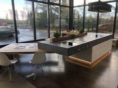Unsere Ausstellungsküche mit sehr vielen Details im Industry Loft Style by Ebbecke-excellent einrichten Conference Room, Loft, Table, Furniture, Home Decor, Homemade Home Decor, Mesas, Home Furnishings, Interior Design