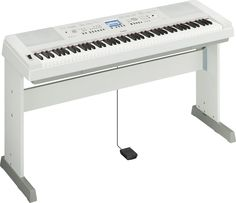 Yamaha DGX-650 White 88 Key Digital Piano with Stand and Sustain Pedal included. Free shipping!