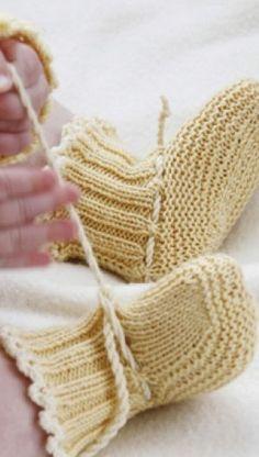 im… – Stricken sie Baby Kleidung Baby Knitting Patterns, Knitting For Kids, Knitting For Beginners, Baby Patterns, Drops Design, Drops Baby, Baby Barn, Crochet Baby Booties, Baby Socks