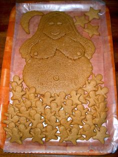 Gingerbread Goddess for a Blessingway. I made the Gingerbread babies using a playdough baby shape cutter then rolled out a large piece of Gingerbread for designing the Mama. Delicios with cream-cheese dip!
