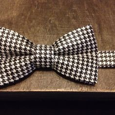 The Hound - Black and White Houndstooth Bow Tie, Rae Arts by Riana