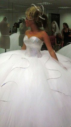 B & G Fashion: World's Most Expensive Bridal Dresses  [Price In Million Dollars]