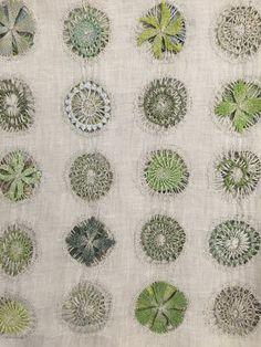 Sophie Digard Linen scarf spring/summer 2017 - Feine Stiche - Home Art Fibres Textiles, Textile Fiber Art, Textile Artists, Machine Embroidery Thread, Hand Embroidery Stitches, Embroidery Techniques, Hand Stitching, Embroidery Designs, Embroidery Art