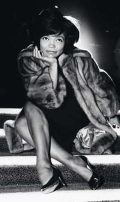 AJC Sepia Black History Month: Eartha Kitt, a self-described 'sex kitten,' was an internationally known singer and actress Vintage Black Glamour, Vintage Beauty, Vintage Style, Vintage Fashion, Classic Hollywood, Old Hollywood, Hollywood Glamour, Eartha Kitt, Black Actresses