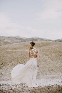 http://dustjacket-attic.com/2015/05/wedding-inspiration-painted-desert.html/