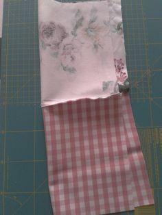 EntreHilos y algo más: TUTORIAL BOLSITA DE TELA Fabric Bins, Felt Fabric, Sewing Crafts, Sewing Projects, Diy Clutch, Teenage Girl Gifts, Birthday Gifts For Sister, Mason Jar Gifts, Creation Couture
