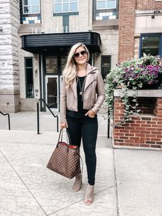 Trendy Ideas For Weekend Brunch Outfit Winter Leather Jackets Classy Outfits, Stylish Outfits, Fall Outfits, Outfit Winter, Pencil Skirt Outfits, Womens Fashion For Work, Women's Fashion Dresses, Fashion 2017, Autumn Fashion
