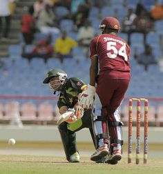 West Indies v Pakistan 5th ODI: Umar Akmal continued in his good form, striking 37 runs from 28 balls to set up the victory for Pakistan.