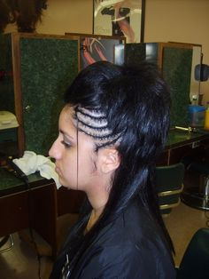 ... FULL ARTICLE @ http://www.africanamericanhairstylestrend.com/african-american-weave-ponytail-hairstyles/african-american-weave-ponytail-hairstyles-2/