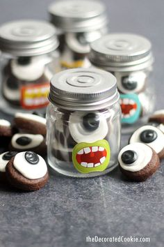 Bite-size EYEBALL COOKIES are delicious and easy to make with royal icing. Package in little jars for Halloween or monster party favors. Diy Halloween Treats, Halloween Favors, Halloween Desserts, Halloween Food For Party, Halloween Cookies, Diy Halloween Decorations, Halloween Stuff, Halloween Costumes, Spooky Halloween