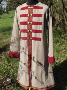 Sawa's Gewandungen - Wikinger, Rus, Merowinger und mehr... Norse Clothing, Medieval Clothing, Viking Reenactment, Medieval Costume, Swedish Fashion, Russian Fashion, Historical Costume, Historical Clothing, Kaftan Men