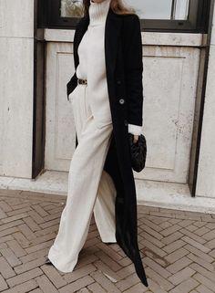 Calça pantalona: conforto e elegância em uma peça coringa Mode Outfits, Fall Outfits, Fashion Outfits, Style Fashion, Timeless Fashion, Work Fashion, Chic Winter Outfits, Winter Chic, Modern Fashion