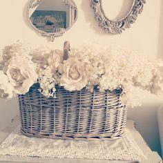 Cesto fiori bianchi