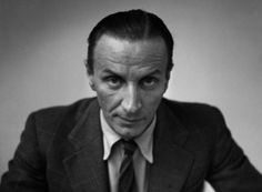 Αλέξανδρος Ισιγώνης (1906 – 1988): Βρετανός σχεδιαστής αυτοκινήτων, ελληνικής καταγωγής, γνωστός με την αγγλική εκδοχή του ονόματός του, Alec Issigonis. Έμεινε στην ιστορία, επειδή σχεδίασε και ανέπτυξε το θρυλικό Mini Cooper.