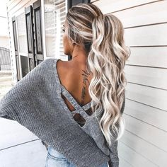 "68.1k Likes, 123 Comments - @forever21 on Instagram: ""Wavy goodbye to 2017 #NYE2018 hair inspo for sure ✨ @kelsrfloyd (shop link in bio)"""