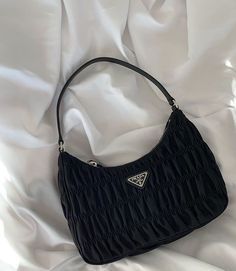 Find tips and tricks, amazing ideas for Prada handbags. Discover and try out new things about Prada handbags site Look Fashion, Fashion Bags, Fashion Accessories, Womens Fashion, Trendy Accessories, Club Fashion, 1950s Fashion, High Fashion, Luxury Purses