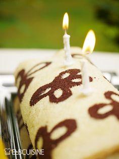 Feiern ist angesagt! Zu meinem Blog-Geburtstag gibt es eine Biskuitrolle mit Blümchen und jede Menge tolle Gewinne für euch!