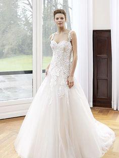 Robe de mariée Angelina, créateur Modeca : Robe princesse, en tulle et guipure brodée, dos transparent en tulle.