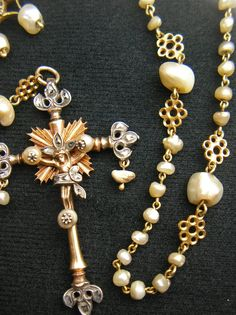 ROSARY CRUCIFIX: White, rose and yellow gold
