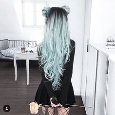 ♀ In love with her hair color! . . . . . #superadorbsco #fashion #beauty #accessories #OOTD #outfitoftheday #wiwt #fashionbeauty #instafashion #vscocam #instastyle #bestoftheday #fashiontrends #musthave #boutique #fashiondiaries #styleoftheday #lookbook #fashionaddict #styleblog #hair #hairaccessories #teal #haircolor…
